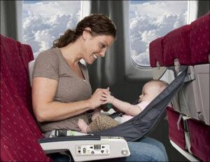 Ce putem face pentru a călători în siguranţă cu bebeluşul