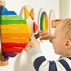 Jucării din lemn potrivite pentru copii de 0